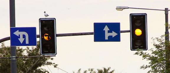 Na skrzyżowaniu Królewieckiej i Piłsudskiego trwa wymiana sygnalizacji