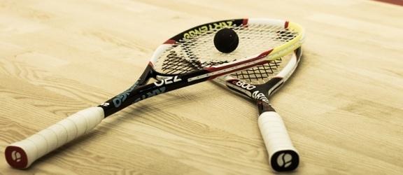 Zagraj w squasha i pomóż potrzebującym dzieciom