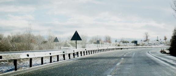 Synoptycy prognozują: w nocy ulice pokryje lód