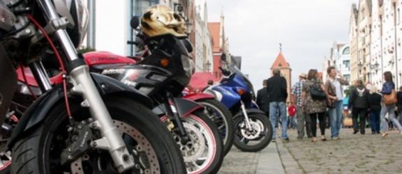 Motocykliści na drogach