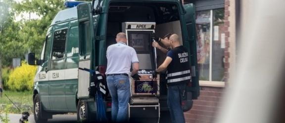 Pracownik Urzędu Celnego informował o kontrolach w punktach hazardowych