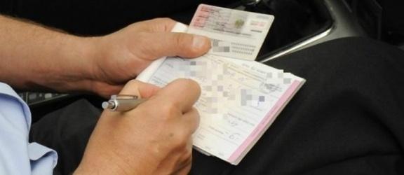 Zatrzymywanie praw jazdy niezgodne z konstytucją