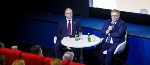 Czym jest debata według byłego prezydenta Komorowskiego?