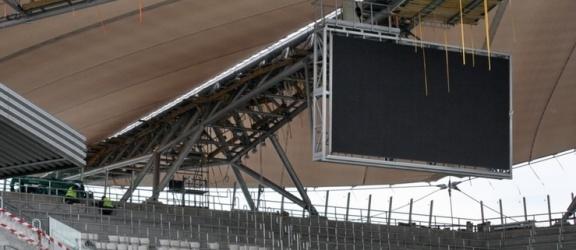 Do przerwy: bez telebimu na Stadionie