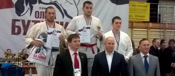 Fighter z srebrnym medalem na Ogólnorosyjskim Turnieju Walki Wręcz