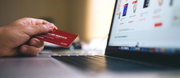 Zamiast doradcy komputer, czyli wybierz kredyt online