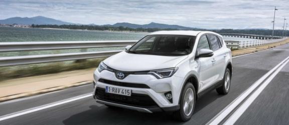 Prestiż, wygoda, oszczędność Nowa Toyota RAV4 Hybrid w salonach po nowym roku