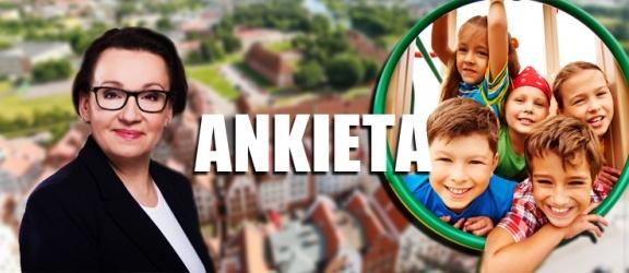Czy Anna Zalewska przyjedzie do Elbląga na debatę oświatową? [ANKIETA]