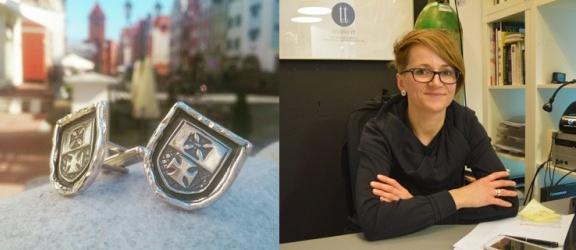 Anna Szewczyk-Ciesielska projektuje biżuterię promującą Elbląg