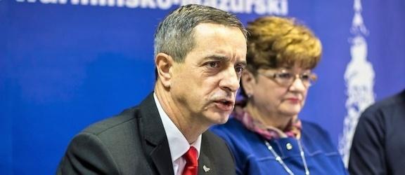 Pierwsze podpisy pod referendum w sprawie reformy edukacji złożone