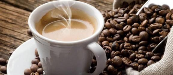 Zmęczony? Wypij kawę, utnij sobie drzemkę, a wstaniesz zrelaksowany