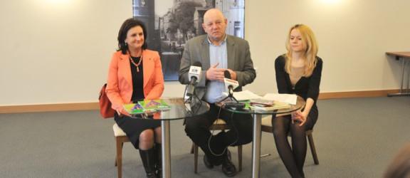 Przyznano Elbląskie Nagrody Kulturalne 2013 - uroczysta gala wręczenia nagród 4 kwietnia