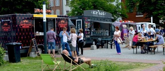 Food trucki ponownie zawitały do Elbląga... Kiedy powrócą? (+ zdjęcia)