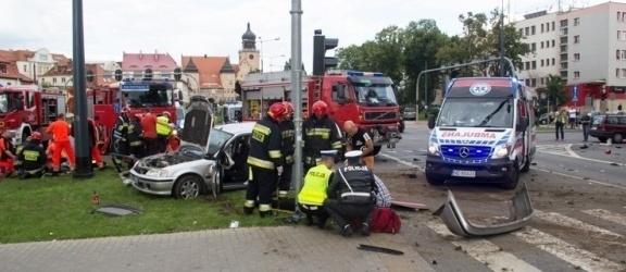 Wiemy kiedy rozprawa kierowcy karetki, oskarżonego o spowodowanie wypadku sprzed dwóch lat