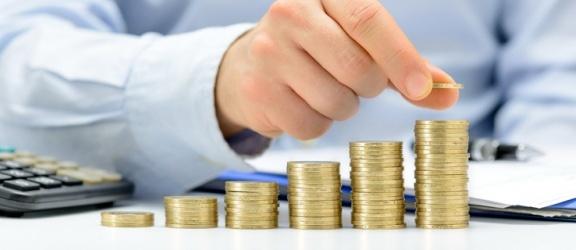 Kredyt a pożyczka – najważniejsze fakty i podstawowe różnice