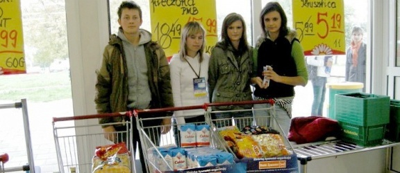 Elbląg: Tonę mleka i pół tony płatków zebrano na posiłki dla dzieci