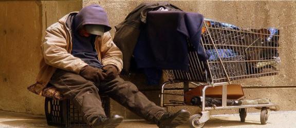 Wiadomo ilu jest bezdomnych w Elblągu. Jak im pomóc?
