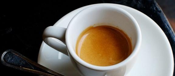 Jak przyrządzić dobre espresso? Poznaj kilka podstawowych zasad