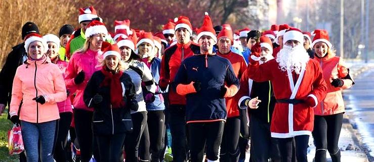Weź udział w Biegu Mikołajów dla Sary! Czekają na Was ostatnie miejsca!