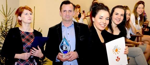 Nagrodzono elbląskich wolontariuszy (+ zdjęcia)