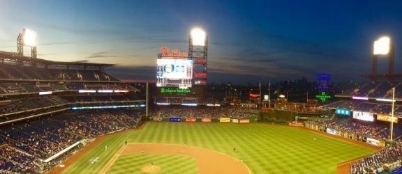 Wiemy kiedy elbląski stadion będzie oświetlony jak na I ligę piłkarską przystało