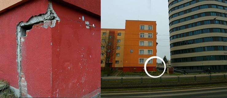 Budynek popękał podczas budowy sądu przy Płk. Dąbka. Trwa walka o odszkodowanie