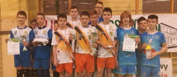 Złote medale młodych siatkarzy IKS ATAK