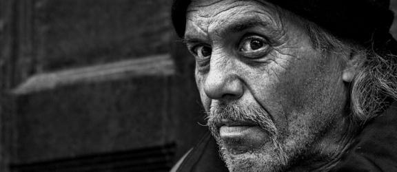 Najwyższy procent osób dotkniętych skrajnym ubóstwem mieszka w warmińsko-mazurskim