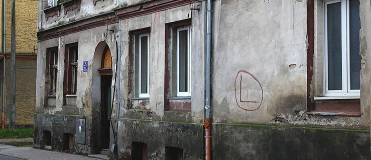 Elbląg. Zadłużył mieszkanie na 196 tysięcy złotych. Jest lista lokali po eksmisji do zamiany