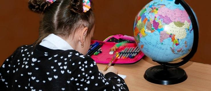 Dzieciom za dużo zadaje się do domu. Wicekurator oświaty apeluje do dyrektorów szkół i nauczycieli