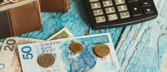 Czym różni się wynagrodzenie netto od wynagrodzenia brutto?