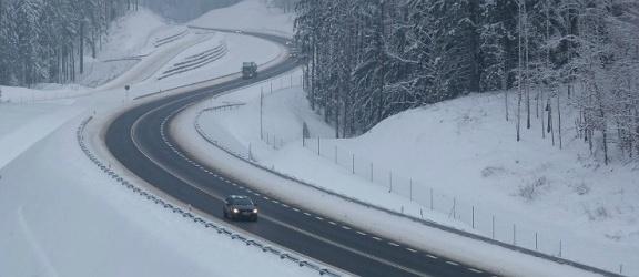 Dużo bezpieczniej na polskich drogach