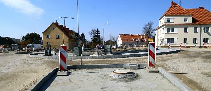 Kolejne rondo w Elblągu. Zobacz jak zmienia się ul. Lotnicza (+ zdjęcia)