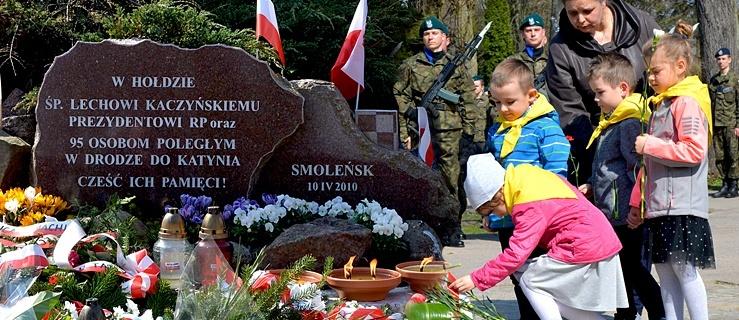 Obchody ósmej rocznicy katastrofy smoleńskiej w Elblągu (+ zdjęcia)