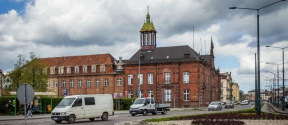 Gdzie kończy się Pocztowa a zaczyna Plac Słowiański, a gdzie swój początek ma Rycerska?