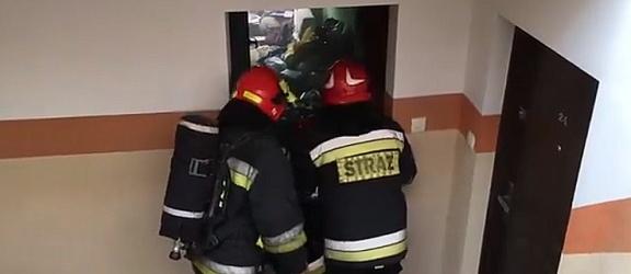 Ulica Robotnicza. 16-latka uchroniła mieszkańców od rozprzestrzenienia się groźnego pożaru