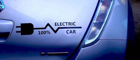 Rozwój elektromobliności w Polsce. Kto za to zapłaci?