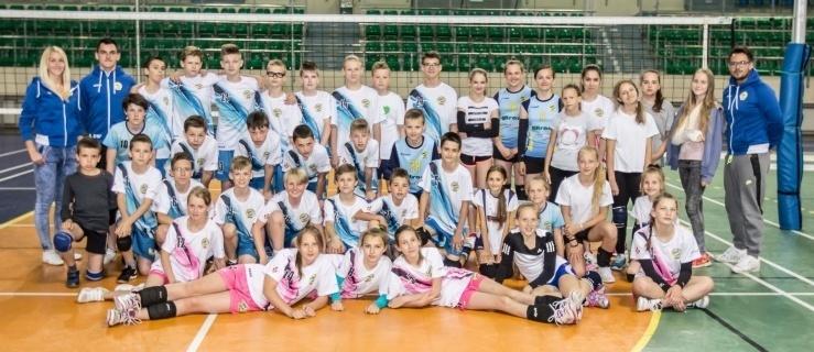 3 drużyny IKS Atak Elbląg rozpoczynają zmagania w turnieju finałowym Kinder + Sport w Zabrzu