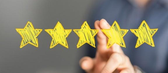 Dlaczego warto czytać opinie przed zaciągnięciem pożyczki?