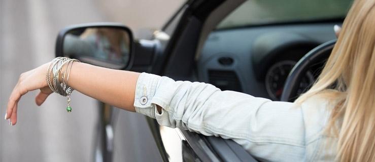 Wynajęte auto – w sam raz na każdą podróż miejską?