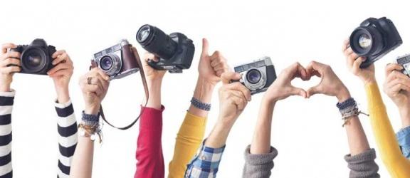 Idealny aparat na początek czy warto kupić go w markecie? Polecane aparaty w dobrej cenie.