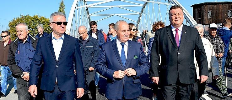 Dzięki tej inwestycji Zatorze nie jest już dzielnicą peryferyjną. Oficjalne otwarcie wiaduktu (+ zdjęcia)