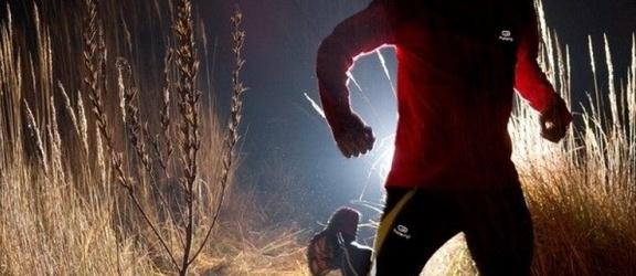 Silni mocą biegną nocą!