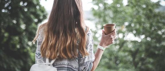Przedłużanie włosów metodą clip in — sposób na ekspresową metamorfozę wyglądu