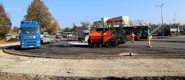 Elbląg. Budowa ronda przy Królewieckiej i Kościuszki. Utrudnienia w ruchu (+ zdjęcia)