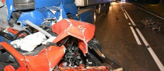 Trzy osoby zginęły w wypadku na drodze krajowej 25