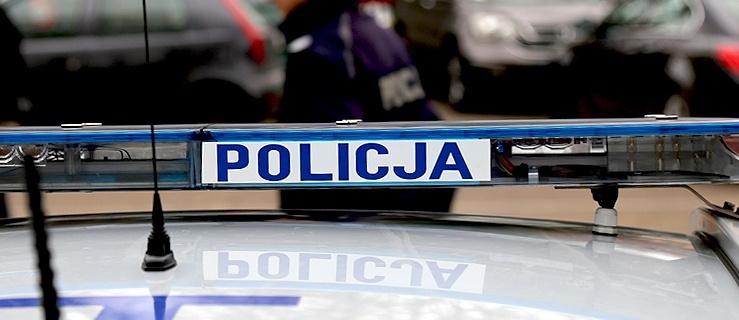 46-latek walczył na elbląskiej starówce z... samochodami