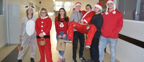 Wielka Orkiestra Świątecznej Pomocy gra w II Liceum Ogólnokształcącym