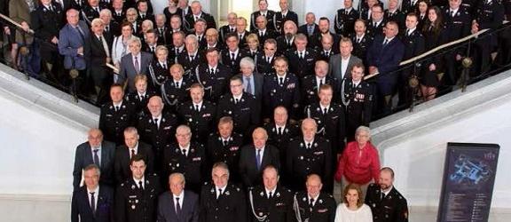 Związek Ochotniczych Straży Pożarnych RP przekazał wyjątkowy album na aukcję WOŚP