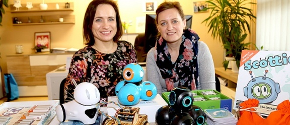 Stajnia robotów w SP nr 19. Elbląska szkoła liderem w Polsce w wykorzystaniu tych narzędzi w edukacji (+ zdjęcia)